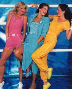Hang ten, glamour magazine, march vintage fashion sportswear shorts s 80s And 90s Fashion, Retro Fashion, Vintage Fashion, Surf Fashion, Fashion Shorts, Fashion Glamour, Vintage Mode, Moda Vintage, Hang Ten