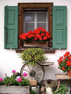 Flowery windows. Blumen Fenstern. (Sils) (by GIVI58)