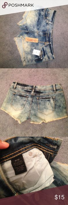 Brand new denim star shorts! These shorts have never been worn . They would be really cute for Fourth of July! They are on the shorter side and fit like an 8. Rue 21 Shorts Jean Shorts