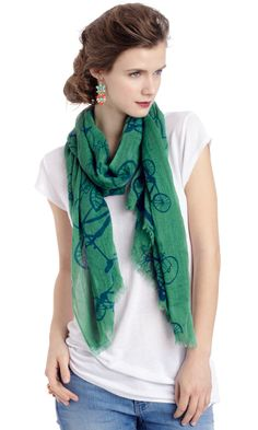 I must have this scarf!