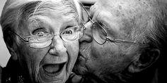 i nonni di olivia hanno una tradizione un po' così...