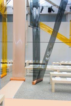 Formafantasma's catwalk for Sportmax emerges from PVC film and terracotta matrix - News - Frameweb
