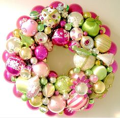 Pink and Green Christmas Ornament Wreath Christmas Ornament Wreath, Pink Christmas Tree, Vintage Christmas Ornaments, Christmas Baubles, Holiday Wreaths, All Things Christmas, Christmas Holidays, Christmas Crafts, Christmas Decorations
