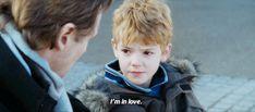 El pequeño y adorable actor de Realmente Amor ahora es un adulto y es encantador