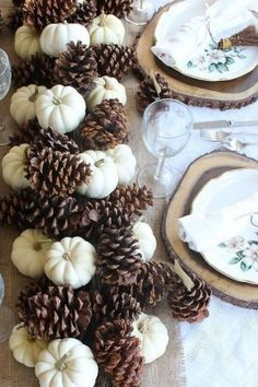 8 Easy DIY Thanksgiving Tablescapes on a Budget