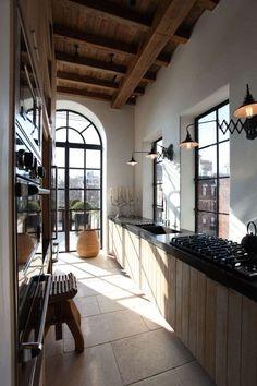 comment aménager une cuisine en longueur toit rampant deco sous pente