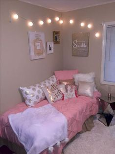 ❤ 45 Pretty Girls Bedroom Ideas for Small Rooms 41 College Bedroom Decor, Small Room Bedroom, Room Decor Bedroom, Bedroom Ideas, Small Rooms, Master Bedroom, Bedroom Crafts, Attic Rooms, Wood Bedroom