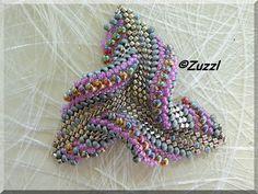 Beads - Twisted triangle