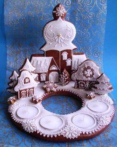 Adventní velký: Gingerbread House Designs, Gingerbread Village, Christmas Gingerbread House, Gingerbread Cookies, Christmas Desserts, Christmas Baking, Christmas Cookies, Christmas Decorations, Honey Cookies