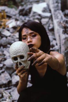 Quinto Soneto Evocatório De Lilith - Projeto C.O.V.A. - Medium
