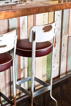 Crab Shack - desire to inspire - desiretoinspire.net Cheap Countertops, Laminate Countertops, Concrete Countertops, Kitchen Countertops, Banquettes, Cafe Bar, Wood Bar Top, Copper Bar Top, Copper Table