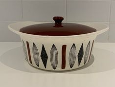 Made by Egersund Pottery Norway in the Inka pattern, a Covered Bowl Casserole Dish In good used order, no cracks or chips and only small signs of wear and usage. Casserole Dishes, Norway, Craft Supplies, Chips, Pottery, Ceramica, Potato Chip, Pottery Marks, One Pot Dinners