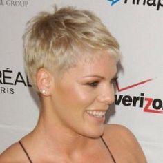 Love short hair styles!:-)