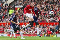Wayne Rooney in action vs Stoke at Old Trafford