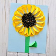 Gorgeous folded paper sunflower craft that makes a perfect summer kids craft, fun flower crafts for kids and paper crafts for kids. Summer Crafts For Kids, Paper Crafts For Kids, Fall Crafts, Paper Crafting, Crafts To Make, Art For Kids, Arts And Crafts, Summer Kids, Kids Fun