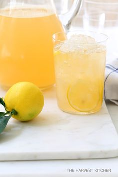 from The Harvest Kitchen / stay hydrated with this refreshing (and healthy) Iced Green Tea with Apple, Lemon and Ginger. @theharvestkitchen.com