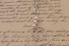 Silver wire  pearl pendant; http://de.dawanda.com/shop/Miaba