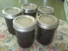 I found this recipe while searching for a way to make grape jam, as opposed to a jelly, and using jello in place of Sure Jell.  Kind of a combo of a Just a Pinch recipe and and one I found online.  It is so easy and quick to make with little effort.  The taste is phenomenal.  This will be a great gift for friends and family!This jam/jelly will be very loose until it sets in the refrigerator..not to worry! :)