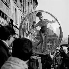 By Melvin Sokolsky, 1 9 6 3, Bubble series, Harper's Bazaar.