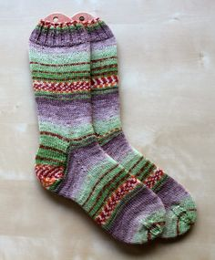 Hand Knitted Things: 'Sweet and Spicy' Opal Sock Yarn Review