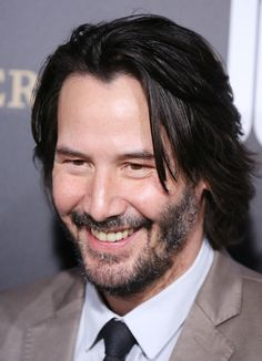 Keanu Reeves at the premiere of John Wick 2 - Hollywood, California Keanu Reeves John Wick, Keanu Reeves House, Keanu Charles Reeves, Keanu Reeves Family, Handsome Men Quotes, Handsome Arab Men, Beautiful Women Quotes, Beautiful Men, Strong Woman Tattoos