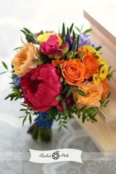 kolorowy bukiet ślubny ślub folk wedding bouquet colours pink orange Table Decorations, Pink, Home Decor, Jars, Decoration Home, Room Decor, Pink Hair, Home Interior Design, Roses