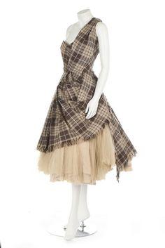 Special Garb: Couture - Alexander McQueen 'highland' wool dress, 'Widows of Culloden' 20006 Tartan Dress, Wool Dress, Couture Mode, Couture Fashion, Tartan Mode, Alexander Mcqueen, Girls First Communion Dresses, Tartan Fashion, Lace Flower Girls