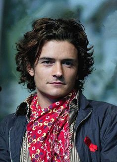 Orlando Bloom World Handsome Man, Short Hair Cuts, Short Hair Styles, Orlando Bloom Legolas, Dark Haired Men, Celebs, Celebrities, Celebrity Crush, Pretty Boys