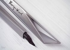 New design of a fountain pen so that lie comfortably in the hand