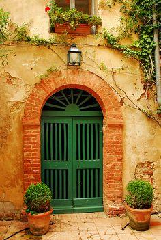 Entry, Tuscany, Italy