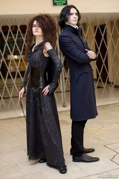 Bellatrix Lestrange and Severus Snape cosplay by CharlieHotshot. on halloween cosplay Couple Halloween Costumes, Halloween Cosplay, Cool Costumes, Halloween Party, Harry Potter Halloween Costumes, Comic Con Costumes, Halloween Movies, Halloween Outfits, Spooky Halloween