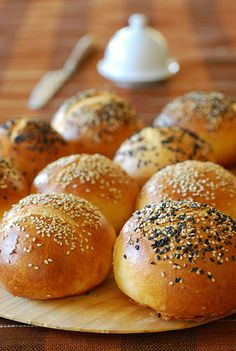Arrufadas or bread rolls from Coimbra Sweet Buns, Portuguese Recipes, Bread Rolls, Crackers, Muffins, Food And Drink, Panini, Breads, Kitchen