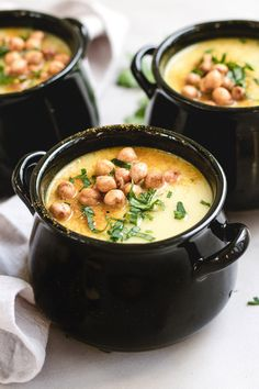 Indulge yourself in this dreamy and creamy curried coconut cauliflower soup. It's a quick and simple recipe that packs big and bold flavors!