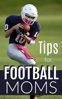 Are you ready for some football? Here are some great tips for football moms that you need to save. They will make your life much easier. Team Mom Football, Best Football Tips, Little League Football, Girls Football Boots, Youth Football, Football Players, Football Helmets, Football Crafts, Team Dinner
