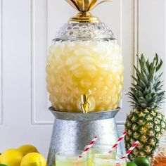 pineapple lemonade Pineapple fruit punch is the perfect baby shower punch! Spike it with coconut rum and a long drizzle of grenadine and it becomes the best rum punch recipe! Pineapple Drinks, Pineapple Lemonade, Pineapple Punch, Pink Lemonade, Fresco, Rum Punch Recipes, Drink Recipes, Good Rum, Baby Shower Punch