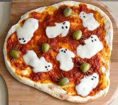 Fun Ghost pizza for Halloween! Fun Ghost pizza for Halloween! Source by meandmyinsanity Halloween Pizza, Halloween Goodies, Homemade Halloween, Halloween Food For Party, Halloween Ghosts, Halloween Treats, Halloween Dinner, Halloween Night, Happy Halloween