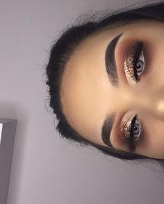 Eye Makeup Tips.Smokey Eye Makeup Tips - For a Catchy and Impressive Look Glam Makeup, Formal Makeup, Cute Makeup, Pretty Makeup, Skin Makeup, Prom Eye Makeup, Makeup Looks For Prom, Makeup Eyeshadow, Birthday Makeup Looks