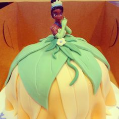 Princess Tiana cake - idea for the birthday cake of my coworker daughter.