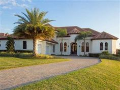 Lovely golf course home