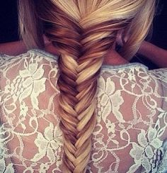 i want to be able to pull of this hair color just so i can do a fishtail that looks like this...