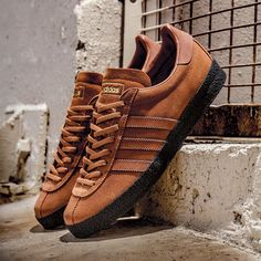 adidas hosted a major retrospective under the SPEZIAL banner last year, showcasing over 800 pairs of shoes supplied by collectors in Hoxton, London. Curated by Gary Aspden and Mike Chetcuti, SPEZIAL was such a nuts-out success, they've buttered up for round two in Manchester as part of Design Week in October. Upping the ante, they've also assembled …