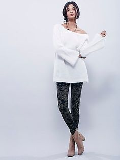 Come As You Are Sweater Legging | Cozy textured printed leggings with an elastic waistband for a comfortable fit.