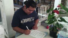 #marioRobledo Firmando los terminos del proyecto #LargaVidaAFloreriaLucy 5/agosto/2014