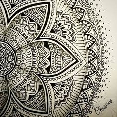 This mandala by @tina_chris210.