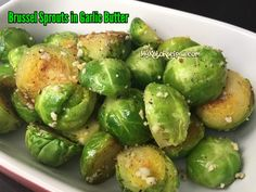 Brussels Sprouts in Garlic Butter - Happy Cooking Corn Tomato Salad, Cooking Recipes, Healthy Recipes, Healthy Food, Best Keto Diet, Keto Side Dishes, Vegetarian Keto, Butter Recipe, Garlic Butter