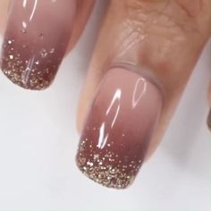 OMBRE NAIL ART If you want to spice up your nails you do an ombre design but if you want to spice up your ombre design you add some glitter Nail Art Designs Videos, Nail Art Videos, Nail Art Hacks, Nail Art Diy, Gorgeous Nails, Pretty Nails, Dipped Nails, Glitter Nail Art, Glitter French Nails