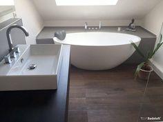 Fixed Freistehende Mineralguss Badewanne von Badeloft: Modern Badezimmer von Badeloft GmbH