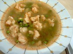 Hrášková polievka s haluškami Cheeseburger Chowder, Guacamole, Risotto, Soup, Ethnic Recipes, Soups