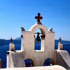 "Samuel Ritz az Instagramon: ""#santorini #greece #greece🇬🇷 #oia"" Tower Bridge, Mount Rushmore, Mountains, Nature, Travel, Viajes, Naturaleza, Destinations, Bergen"