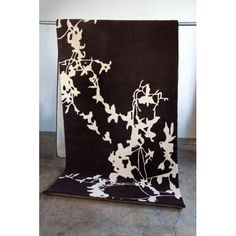 Silhouette Hand Tufted Wool Rug 2' X 7'6
